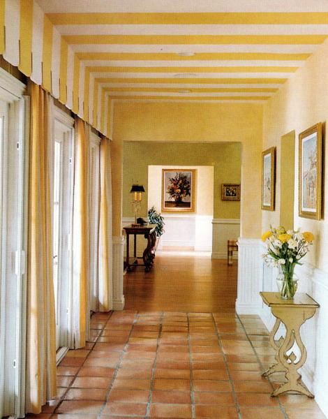 Snížení stropu lze dosáhnout i bez stavebních úprav