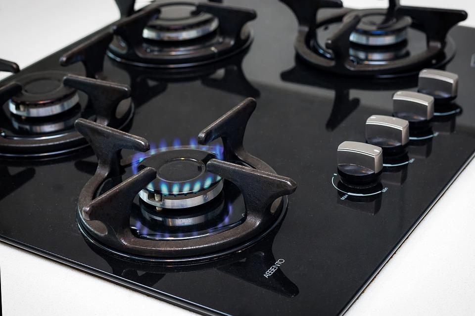 Máte výhodné smlouvy na odběr elektřiny a plynu