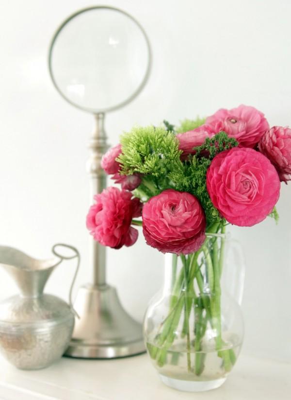 floral-dresser-top-floral-arrangement-with-silver-accessories-600x823