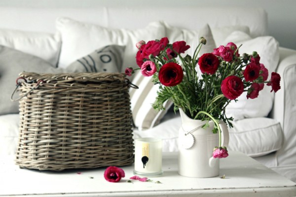 vintage-white-living-with-crimson-floral-display-600x400