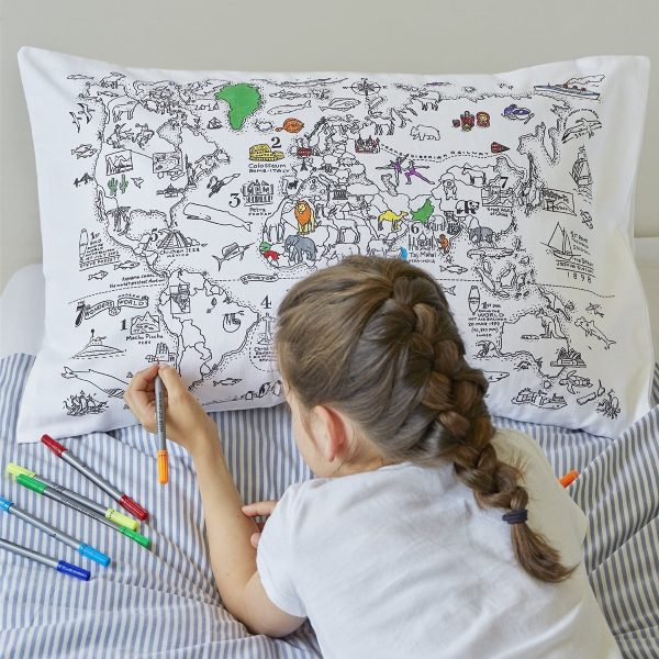 bespoke-colour-in-pillow-travel-inspired-bedding-600x600