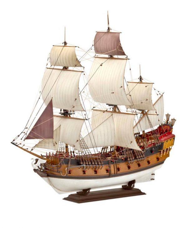 ship-ornament-world-travel-decor-600x730