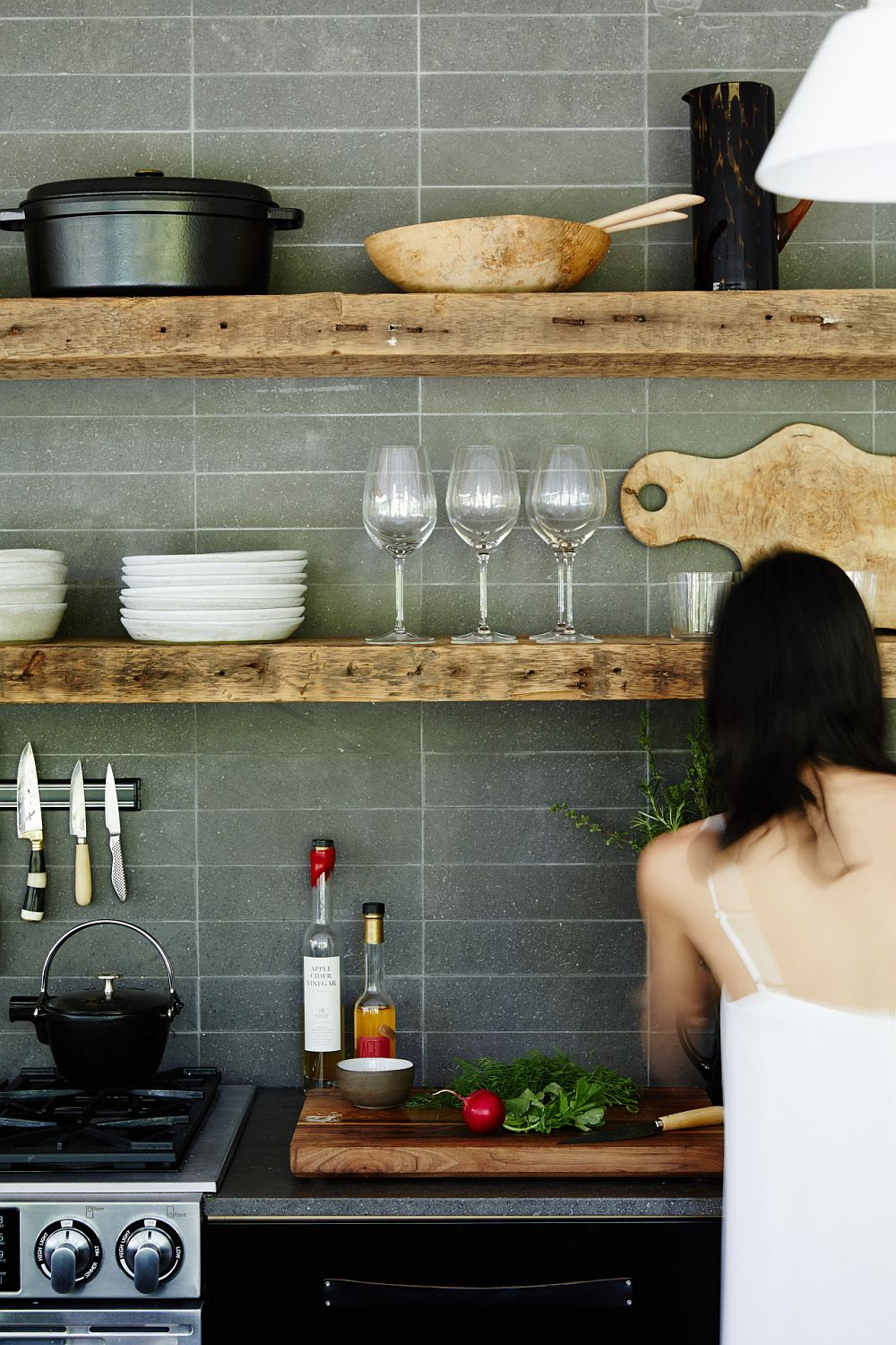 Modern-gray-kitchen-with-simple-rustic-shelves