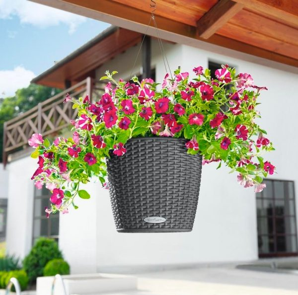 self-watering-hanging-planter-600x594
